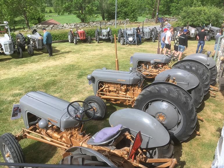Veterantraktorträff i Kärrabol