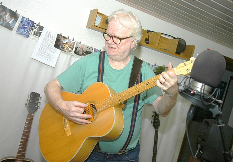 Han hittade musiken i Osby men hamnade i Olofström