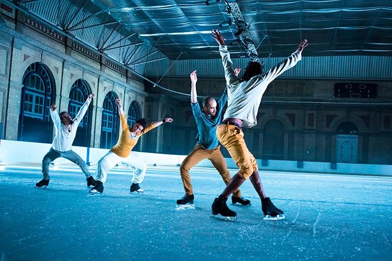 Vass dans på iskallt golv