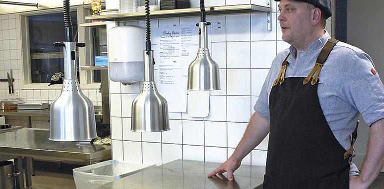Hjärtat slår för husmanskost  – 30 år med Fredrik i köket